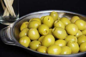 Olijven worden in salades ook gebruikt als vervanger voor zout.