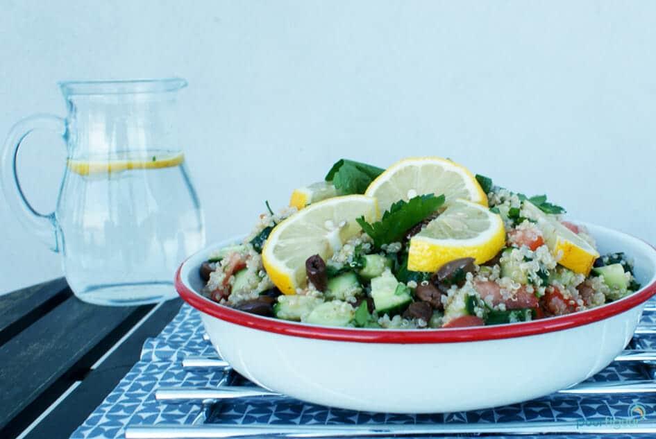 simpele griekse quinoasalade